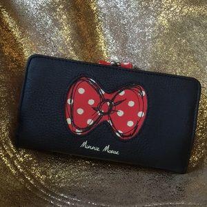 Disney Parks Minnie Wallet